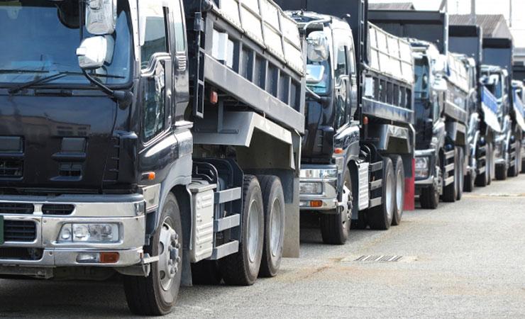 敷き鉄板だと配送トラックがたくさん必要でコストが掛かりますです