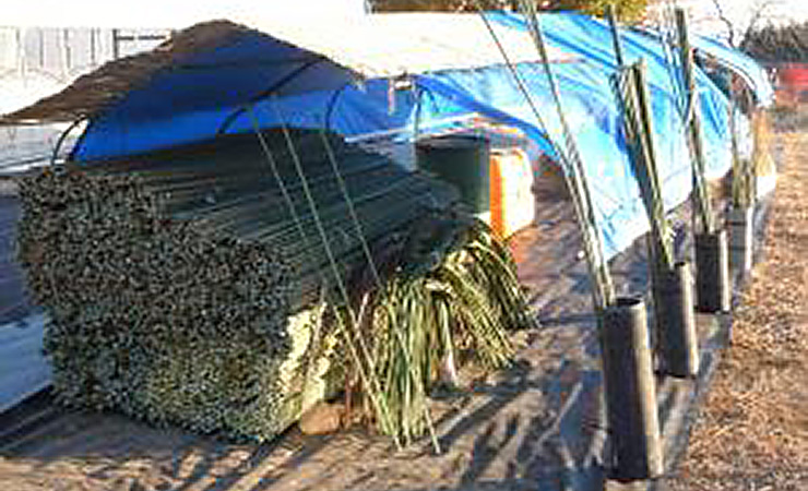 農業現場の資材置き場はぐじゅぐじゅしていて不安定