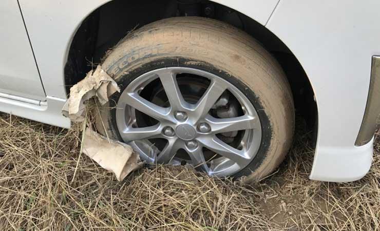 畑や田んぼのぬかるみにタイヤがはまる
