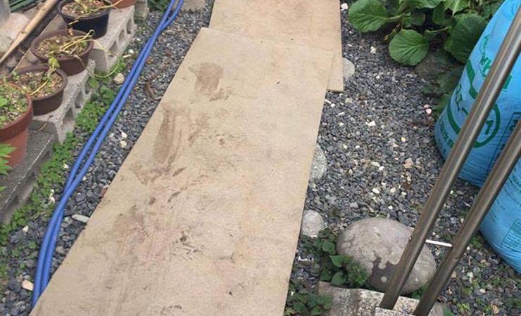 家庭菜園で砂利に土を落ちるのを防止